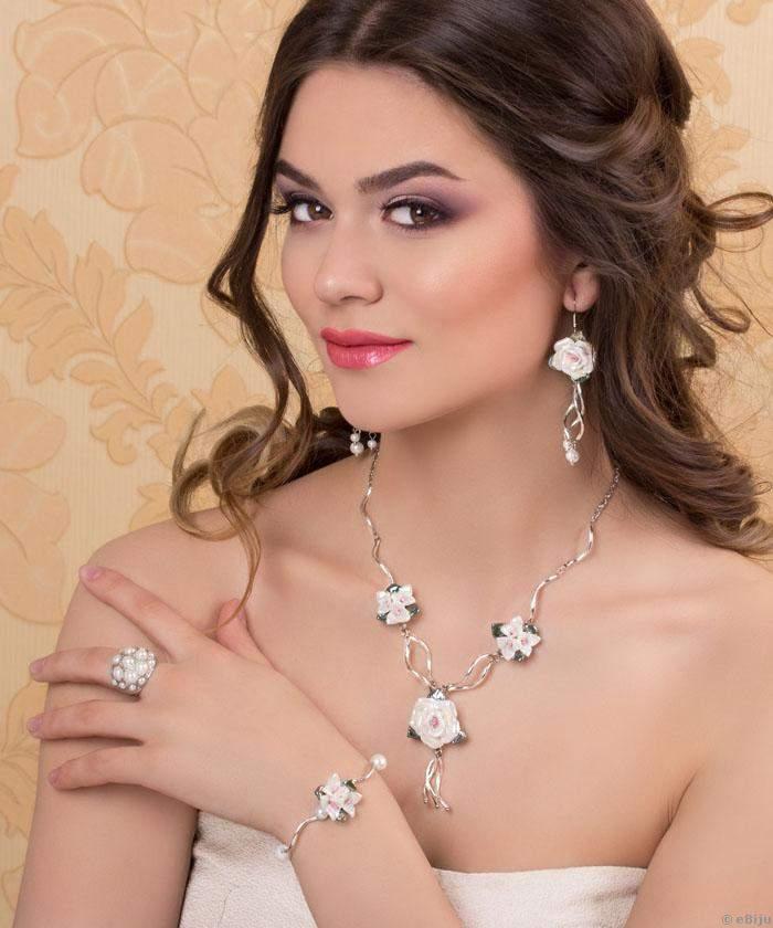 Fehér üveggyöngyös menyasszonyi nyaklánc+fülbevaló (9065.9063)