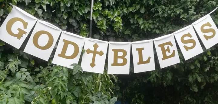 """""""God Bless"""" esküvői tábla girland"""