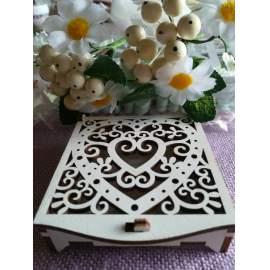 Fehér fadoboz gyűrűtartó